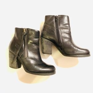 Marc Fisher Black Zipper Tassel Booties Size 5.5